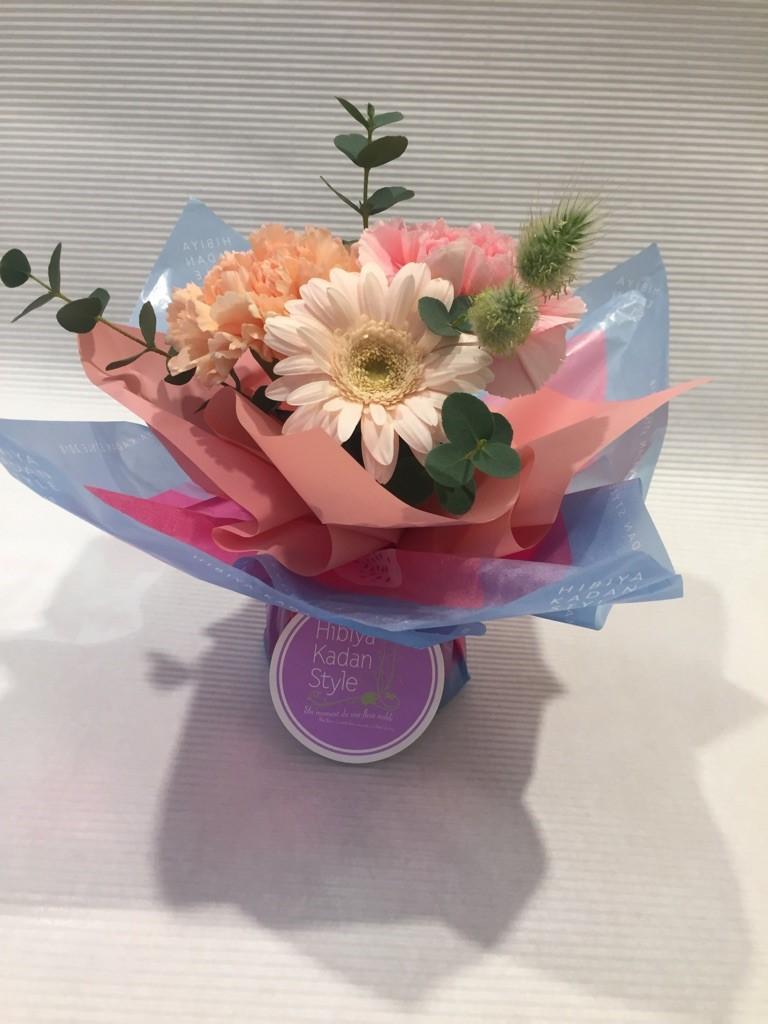 シュシュ・フルール(季節のお花のミニブーケ)