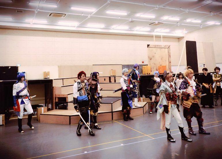 舞台『戦刻ナイトブラッド』稽古場レポート | ローチケ演劇宣言!